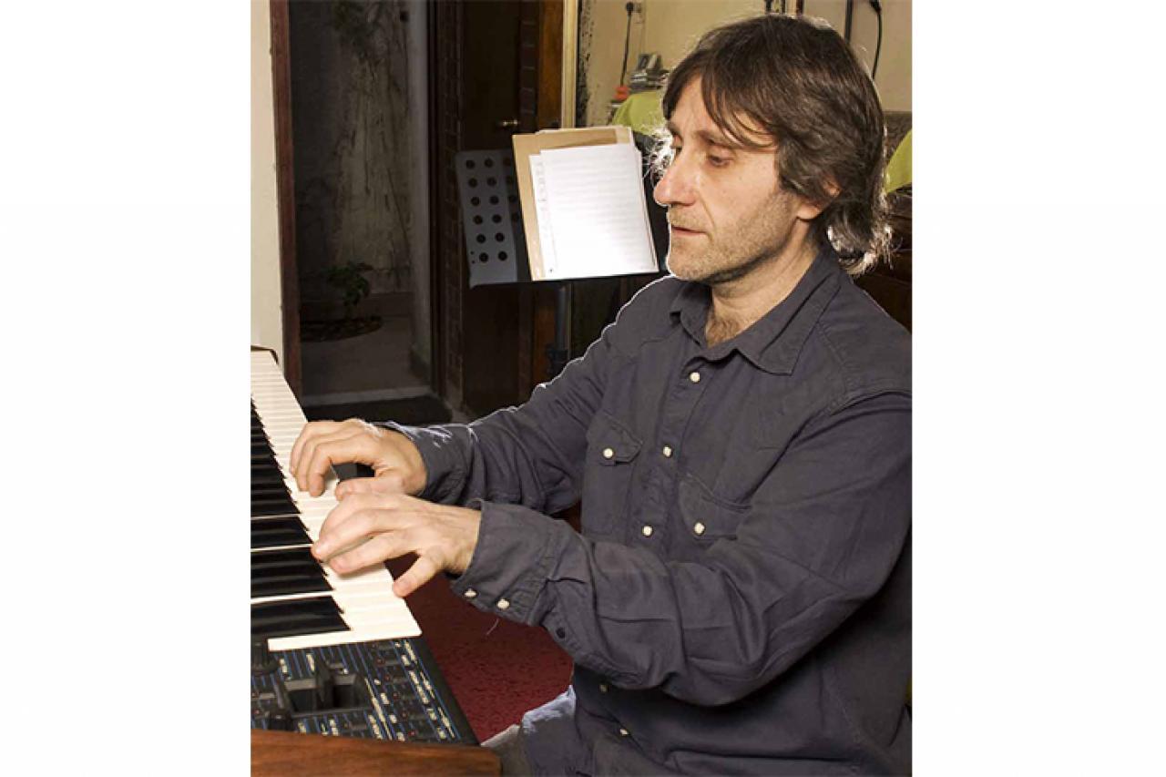 Claudio Cardone: Trato de realzar la música, sin interferir en lo que ya esta sonando