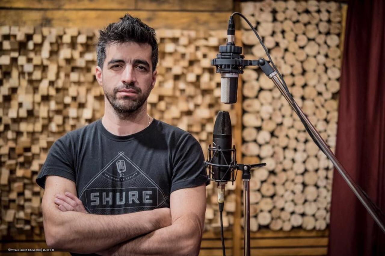 """Claudio Herrera: """"Para un artista nuevo, sonar en la radio no debería ser prioridad"""""""